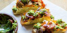 Lecker gefüllte Low Carb Tacos mit Guacamole