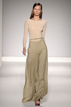 max mara<> i love thys little #hookup. not really a Fan of the #Blouse but i see where they are tryna go with it. that #Skirt is EVERYTHING!