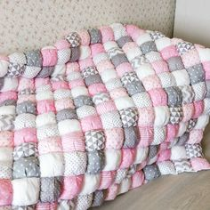 Puff Blanket, Blanket Basket, Rag Quilt, Quilt Blocks, Room Color Design, Puffy Quilt, Baby Cot Bumper, Sewing Crafts, Sewing Projects