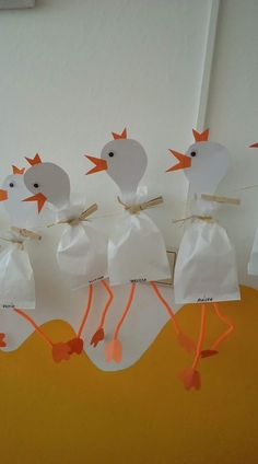 Craft Easter - event planning - Fall Crafts For Kids Easter Crafts For Kids, Diy For Kids, Easter Craft Activities, Art Activities, Toilet Paper Roll Crafts, Easter Art, Farm Theme, Animal Crafts, Spring Crafts