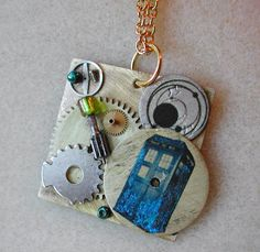 """Doctor Who Necklace """"Cracks in Time"""""""