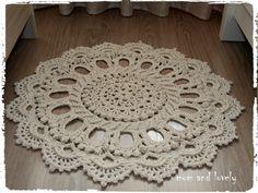 Tapis rond au crochet en 100% coton couleur ecru
