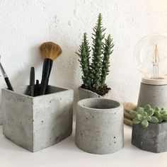 Hand made cement objects Natural Materials, Cement, Objects, Handmade, Design, Home Decor, Bonito, Hand Made, Decoration Home