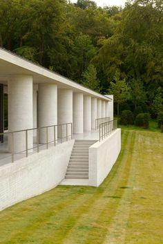 Vista exterior de Fayland House por David Chipperfield Architects. Fotografía © Rik Nys.