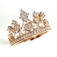 Crown ring 😍