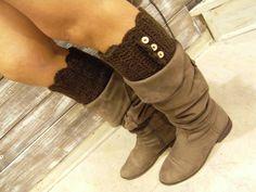 """... """"Boot cuffs"""" in lana marrone con bottoni, fatti a mano, morbidi e caldi da mettere all'interno degli stivali, disponibili su ordinazione in altri colori ... per info contattaci :-)"""