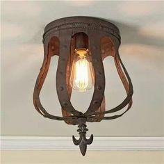 Metalen kroon als plafondlamp