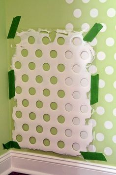Polka dot walls - Are you Redecorating We Have Some DIY Hacks For Improving Your Home – Polka dot walls Home Decor Hacks, Home Hacks, Diy Hacks, Mur Diy, Polka Dot Walls, Polka Dots, Diy Casa, Diy Home, Pinterest Diy