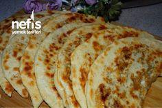 En Lezzetlisinden El Açması Kıymalı Gözleme Tarifi nasıl yapılır? 753 kişinin defterindeki bu tarifin resimli anlatımı ve deneyenlerin fotoğrafları burada. Food To Make, Cooking Recipes, Bread, Breakfast, Ethnic Recipes, Desserts, Youtube, Turkish Cuisine, Turkish Language