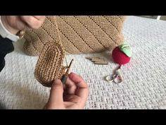 ŞERİT ÖRGÜ ÇANTA YAPIMI - YouTube Crochet Bag Tutorials, Crochet Crafts, Fingerless Gloves, Arm Warmers, Crochet Top, Diy And Crafts, Crochet Earrings, Make It Yourself, Purses