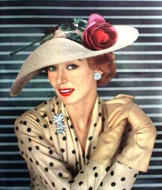 Hat fashion by Legroux Soeurs.Chapeaux Couture Actualité de Paris - Été, 1955.
