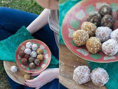 Energyballs-Rezepte---Kokos-Limette,-Feige-Kakao-und-Aprikose-Mandel---
