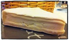 Bougon : a sort of goat cheese camembert from Charente Maritime, France