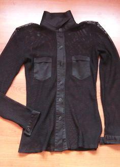 Kup mój przedmiot na #vintedpl http://www.vinted.pl/damska-odziez/topy-koszulki-i-t-shirty-inne/8561120-czarna-koszula-z-kolnierzem