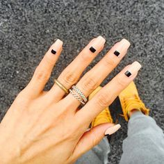 """▪️▫️◻️◾️ so simple  #nails #unistella"""