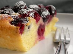 Baked Fresh Cherry Custard Cake is part of Custard cake recipes - This delicious baked cherry custard recipe calls for sweet, dark cherries baked simply in a creamy, eggy batter for a comforting dessert Sweet Cherry Recipes, Cherry Desserts, Köstliche Desserts, Delicious Desserts, Recipes With Fresh Cherries, Plated Desserts, Custard Recipes, Baking Recipes, Cake Recipes