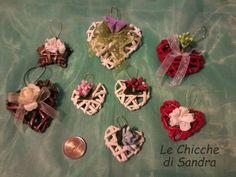 Mini cuori bomboniere con cannucce di carta