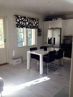 Marimekko, Kitchen Dining, Dining Room, Valance Curtains, Corner Desk, House Design, Table, Furniture, Decorating Ideas