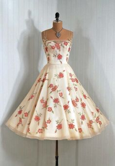 1950's Vintage Harvey Berin Designer-Couture Sequin and Beaded Ivory-White Elegant Floral Silk-Organza Sweetheart Plunge Princess Circle-Skirt Wedding Party Prom Cocktail Dress