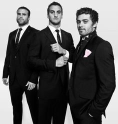 Welsh rugby men in suits. Jamie Roberts, Sam Warburton and Leigh Halfpenny.why i love rugby Welsh Rugby Players, Rugby Images, Wales Rugby, Eden Park, Rugby Men, Pose, Mens Suits, Beautiful Men, Hot Guys