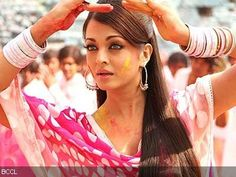 holi skin and hair care tips Holi Festival Of Colours, G Hair, Aishwarya Rai, Hair Care Tips, India Beauty, Replay, About Hair, Beauty Queens, Traditional Dresses