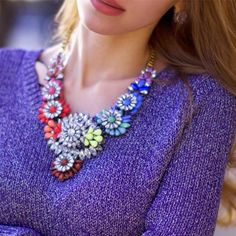 Colar Must-Have #statementnecklace #maxinecklace #neon #jewelry #bijoux #style #trendynecklace #trends #fashionjewelry #neonjewelry
