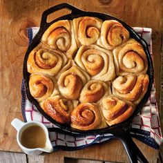 Old-Fashioned Cinnamon Rolls // dessert // cast iron cookery // preserving recipes // the southern workhorse // deep fried south Cast Iron Skillet Cooking, Iron Skillet Recipes, Cast Iron Recipes, Skillet Meals, Dutch Oven Recipes, Cooking Recipes, Oven Cooking, Kitchen Recipes, Cinnamon Roll Glaze