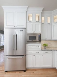 THIS could be my kitchen. By Yanic Simard, Houzz Contributor The classic kitchen work triangle organizes foot traffic from the fridge to the sink to the stove, in an a. Kitchen Redo, Home Decor Kitchen, Interior Design Kitchen, New Kitchen, Kitchen Corner, Kitchen Pantry, Closed Kitchen, Long Kitchen, Smart Kitchen