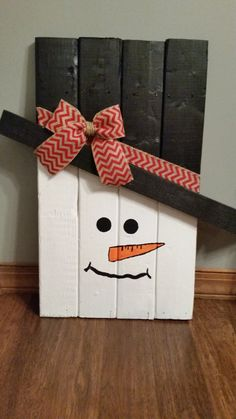 Scarecrow and Snowman wooden pallet Decoration (Reversible option) - Ornamento di natale - Weihnachten Pallet Wood Christmas, Christmas Wood Crafts, Decoration Christmas, Christmas Signs, Rustic Christmas, Xmas Decorations, Christmas Projects, Holiday Crafts, Christmas Ornaments