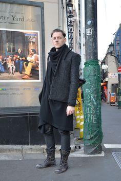 Area6:Harajuku,Tokyo(原宿,東京)   Name:Tim   Age:26   Occupation:designer   Jacket:Ute Ploier   Top:Ute Ploier   Pants:Ute Ploier   Shoes:Ute Ploier   Favorite shops:UNITED ARROWS   Favorite brands:Lanun
