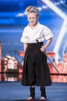 10-year-old sword fighting girl, Jesse Jane McParland, showcases intense samurai warrior skills