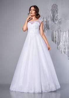 c29dc9afd5 Felicity - suknia ślubna princessa. Charming princess wedding dress lace  scoop neckline.  sukniaślubna