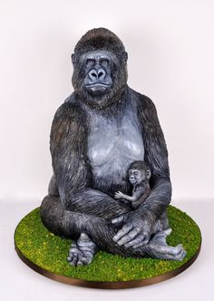 Gorilla Cake by Melissa Alt Cakes Cakes By Melissa, Sculpted Cakes, 3d Cakes, Creative Cakes, Custom Cakes, Cake Art, Happy Mothers Day, Sculpting, Monkey Cakes