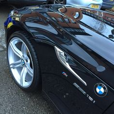 We gave this BMW Z4 a essential wash and hand polish. With the big rims, cleaning all the way through was important! Visit www.refined-shine.co.uk to get your car booked in!