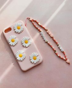 Handmade Wire Jewelry, Handmade Bracelets, Beaded Jewelry, Beaded Bracelets, Pulseras Kandi, Gold Girl, Pretty Necklaces, Clay Beads, Diy Necklace