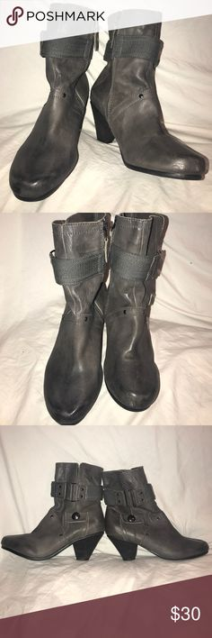 Kelsi Dagger Firas Grey Leather Zip Up Boots 9 Great grey zip up taller Ankle Boots in a size 9 m. The style is Firas. Cute pewter hardware and cents. Stacked heels. They show normal wear from use and from being in storage. Kelsi Dagger Shoes Ankle Boots & Booties