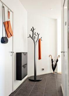 Дизайнерская напольная вешалка в виде дерева