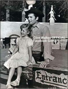 Clint and his daughter Valerie Hollywood Stars, Old Hollywood, Clint Walker Actor, Cheyenne Bodie, James Drury, Best Hero, Audrey Hepburn Style, John Wayne, Famous Faces