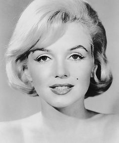 Marilyn Monroe's Bombshell Cat Eye