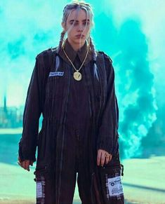 ♡jam through the pain babes♡ Billie Eilish, Baggy, Style Outfits, Only Girl, Music Artists, Role Models, My Idol, Portrait, Beautiful People
