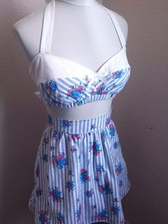 6db68f8eaa6 2 piece Pinup Playsuit with a retro 50s inspired Style Adorable Stripe  Floral Pattern Bandeau Retro