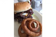 Workingman's Friend, Indianapolis from The 10 Best Onion Rings in America Onion Rings, Hamburger, Fries, America, Eat, Ethnic Recipes, Food, Travel, Viajes