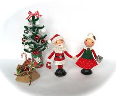 Clothespin Dolls Christmas Set  Mr and Mrs