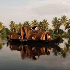 Kerala Houseboats- the best way to explore the village charm at your own pace