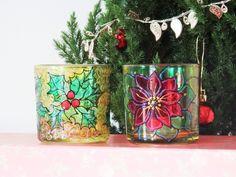 Porta velas natal, castiçal natal. <br>Jogo porta velas em vidro pintados à mão em técnica vitral. <br>Especialmente para Natal e Ano novo!!! <br>Para fazer sua festa iluminada! <br> <br>Perfeito para presente! <br> <br>Qualquer duvida - manda uma mensagem pra mim!