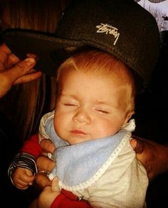 Theo with Niall's hat! SO FREAKIN' ADORABLE