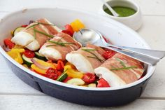 Parmatorsk med pesto Fresh Rolls, Cobb Salad, Nom Nom, Food And Drink, Fish, Ethnic Recipes, God, Dios, Pisces