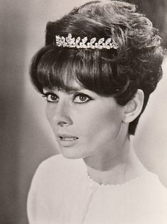 The actress Audrey Hepburn photographed by Terry O'Neill -Audrey was wearing a diamond tiara of Cartier, that belonged to her personal jewelry collection (gift of her husband Mel Ferrer in and nightgown of Miss Dior. Terry O Neill, Miss Dior, Cartier, Audrey Hepburn Born, Girls Run The World, British Actresses, Golden Age Of Hollywood, Classic Beauty, Most Beautiful Women