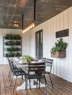Chip and Joanna Gaines Transformed This Old Shack into a Dream Farmhouse Home Decor / Decorating / Dream Home / Farmhouse Decor / Farmhouse Inspiration / Backyard Inspiration / Farmhouse Patio / Outdoor Dining Modern Farmhouse Exterior, Farmhouse Design, Rustic Farmhouse, Farmhouse Front, Industrial Farmhouse, Farmhouse Ideas, Farmhouse Garden, Farmhouse Shelving, Modern Industrial