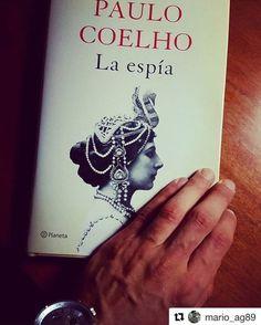 Lo cuenta @mario_ag89 - Sólo los grandes autores merecen dedicarles unos minutos de tu vida... #paulocoelho #laespia #leer #book - vía www.instagram.com/ComunidadCoelho | Comunidad Coelho: tu punto de encuentro con los fans de Paulo Coelho